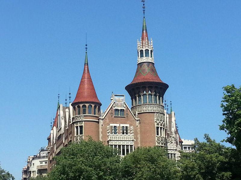 La Casa de les Punxes, un castillo modernista en el corazón de Barcelona