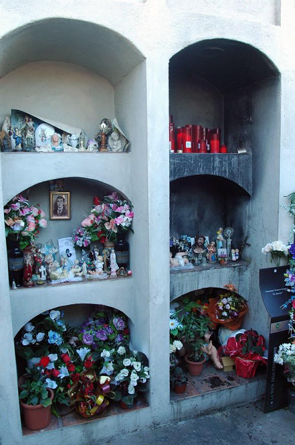"""La tumba del """"Santet"""" de Poblenou"""