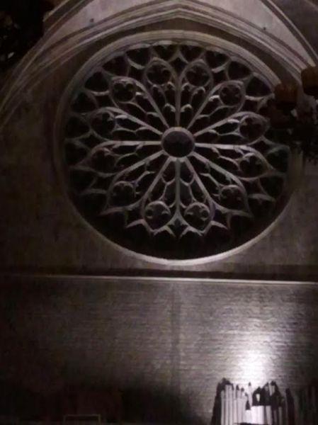 Una visita nocturna por Santa María del Pi