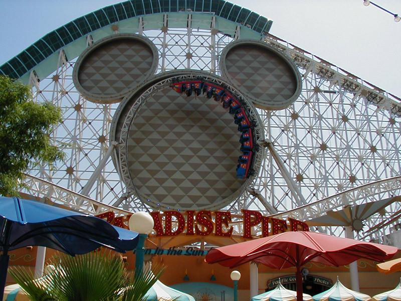 Disney Abre La Mayor Tienda De España En Barcelona