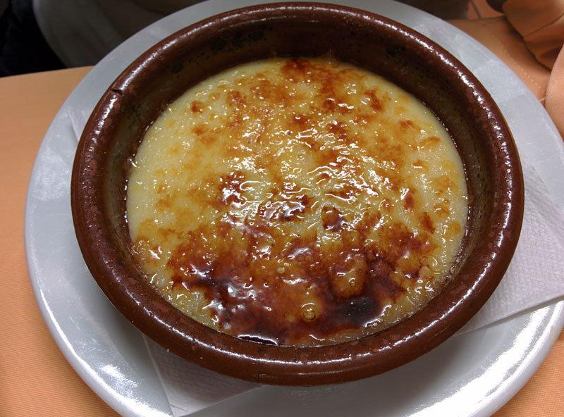 La Crema Catalana es el típico postre de los días de calçotada