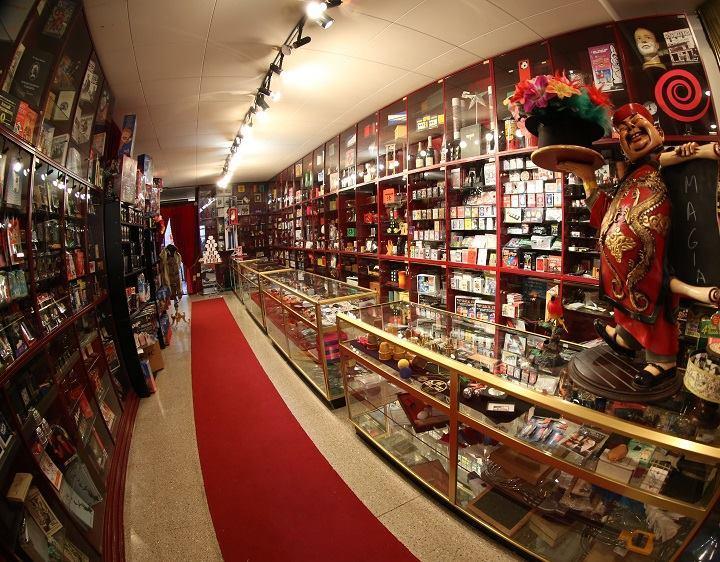 Selecciones Mágicas, tienda de magia