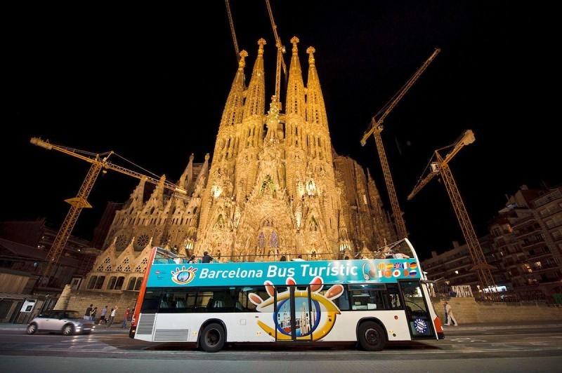 bus-turistico-nocturno-barcelona.jpg