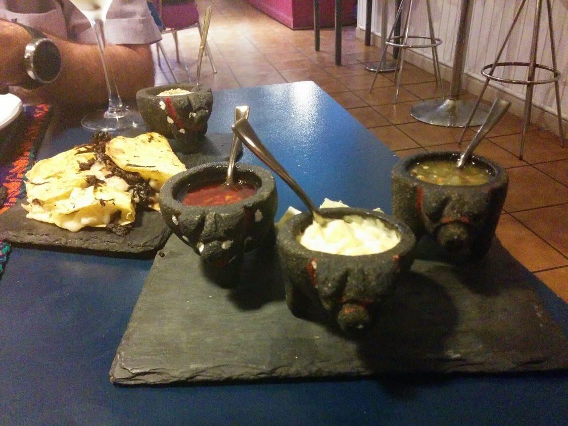 Las 3 salsas picantes que puedes degustar durante la cena mexicana