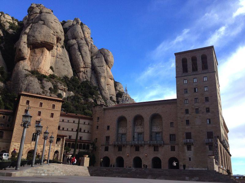 Visita Montserrat en Semana Santa, muy cerca de Barcelona