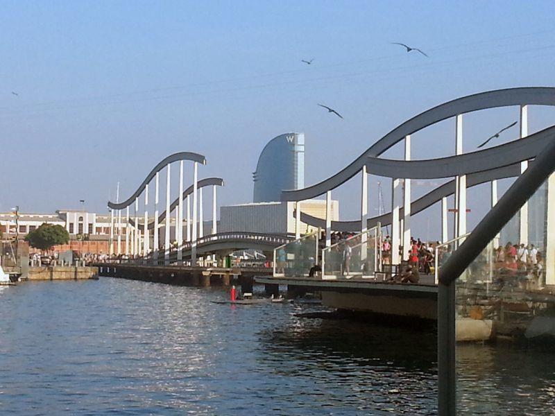 Port Vell, puente de acceso principal a Maremagnum