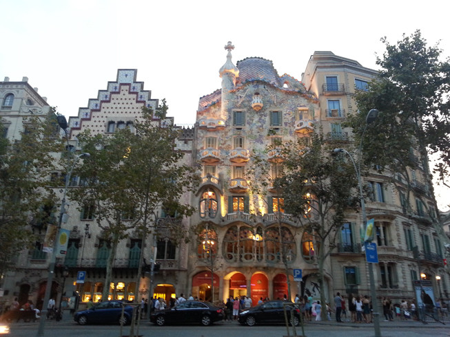 Casa Batlló, one of the jewels of Passeig de Gràcia