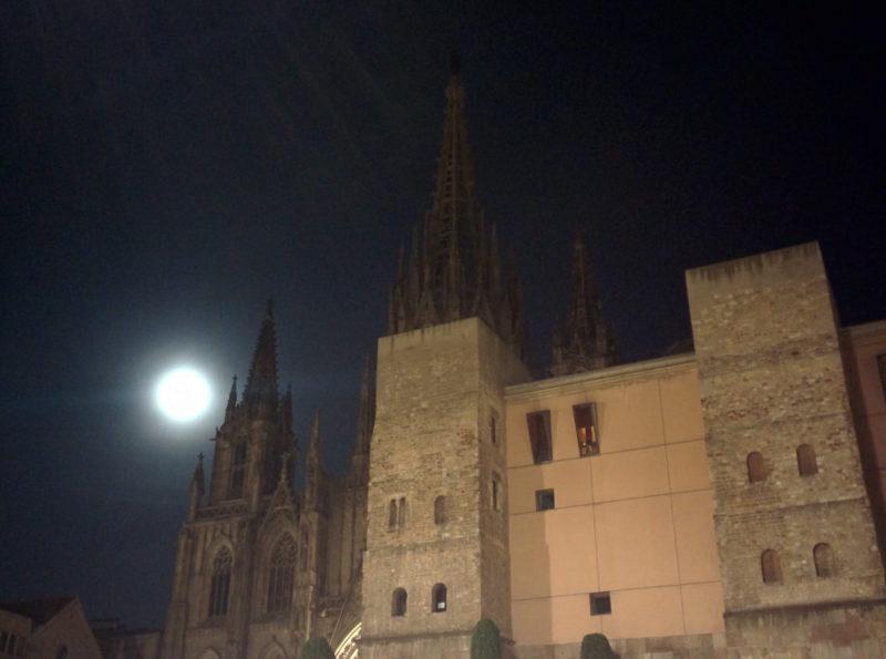 Catedral-Barcelona-noche.jpg