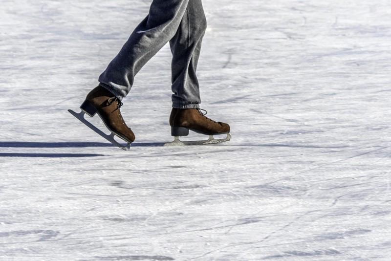 patinar-hielo-barcelona.jpg