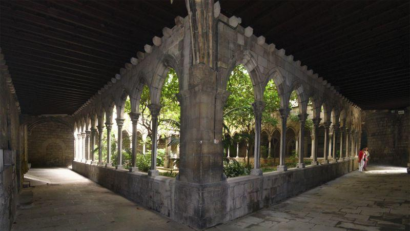 Iglesia_Santa_Anna_claustro1.jpg