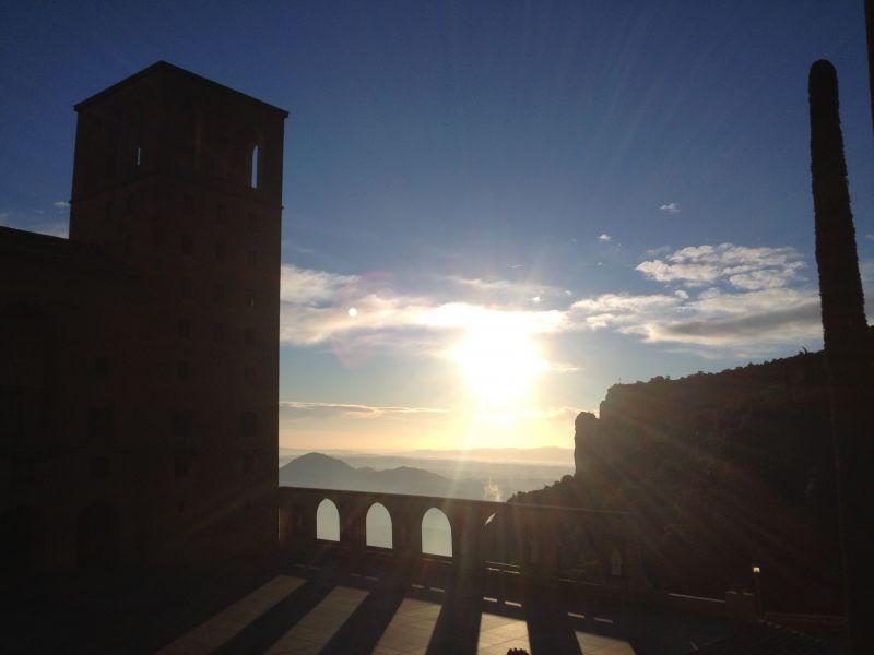 How to get to Montserrat?